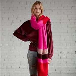 Express • Color block blanket scarf